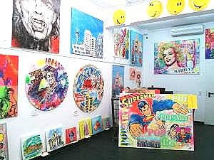Düsseldorfer Kunstgalerie Klipp-Art Pop Art Collage
